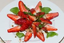 Erdbeeren auf Toast mit Balsamicovinaigrette